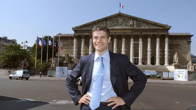 En 2004, lors de son arrivée à l'Assemblée.