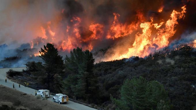 Thomas Fire a parcouru plus d'un demi-million d'hectares.
