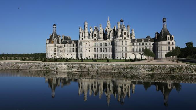Le château de Chambord et le gigantesque jardin qui l'entoure sont classés monuments historiques.