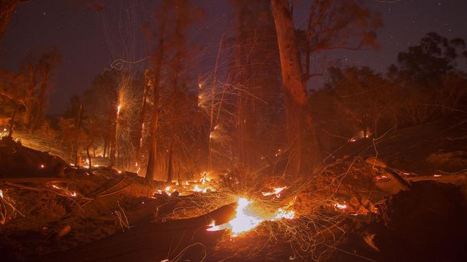 L'incendie «Thomas» à Santa Barbara, samedi.