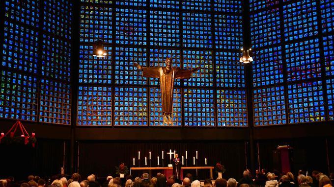 Une prière oecuménique a eu lieu dans la chapelle jouxtant l'église du Souvenir, à Berlin.