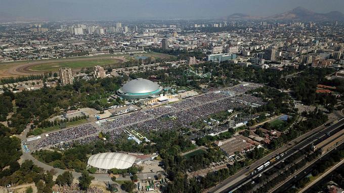 Une vue aérienne du parc O'Higgins peu avant la messe du pape François, lundi, à Santiago du Chili.