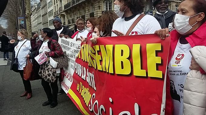 Rassemblement à Paris des salariés des Ehpad pour défendre leurs conditions de travail
