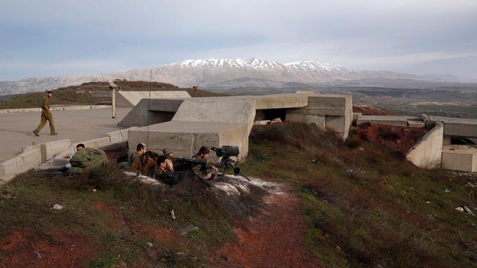 Série d'attaques aériennes israéliennes contre des positions militaires syriennes — Syrie