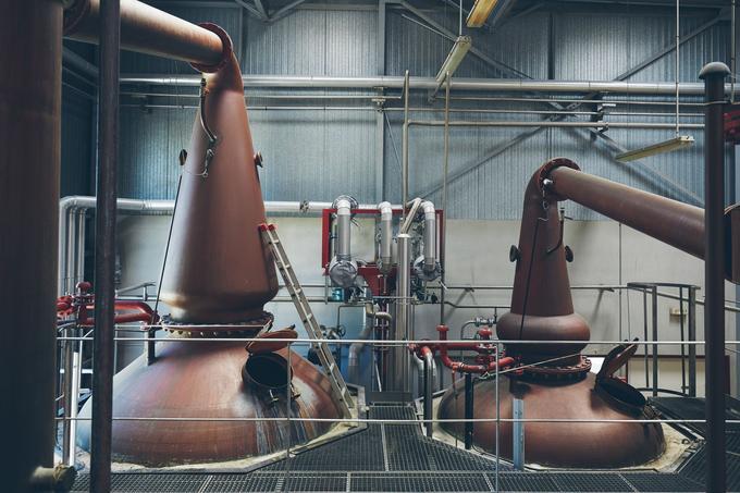 Près de 250.000 bouteilles de whisky, sortent chaque année des alambics de la distillerie Warenghem. Crédit: Arnaud Roussier.
