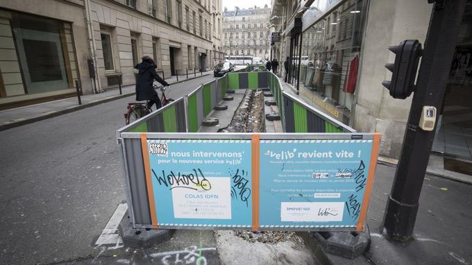 Le chantier de la station de la rue Taitbout (Paris IXe) après l'arrachage des bornes JCDecaux.