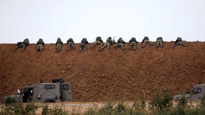 Des tireurs d'élite israéliens postés lors de la manifestation.