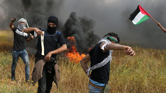 Des manifestants palestiniens vendredi.