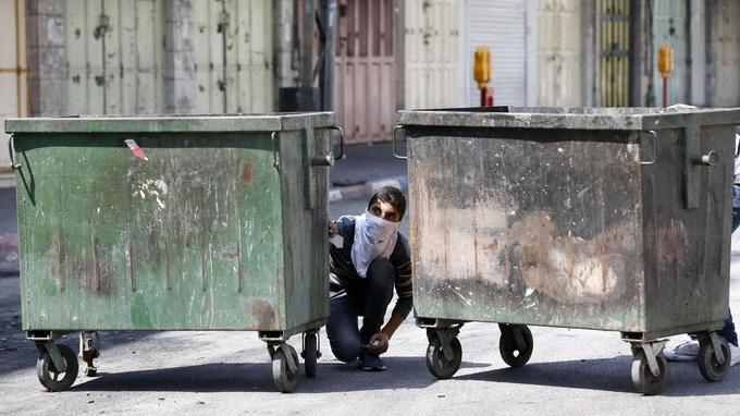 Samedi à Hébron, des heurts ont éclaté entre jeunes palestiniens et forces armées israéliennes.