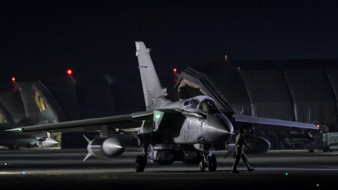 Un avion de combat Tornado depuis la base de la Royal Air Force d'Akrotiri, à Chypre.