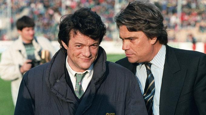 Jean-Louis Borloo et Bernard Tapie avant le coup d'envoi du match VA-OM qui, quelques années plus tard, a entraîné la condamnation de l'homme d'affaires à plusieurs mois de prison ferme.