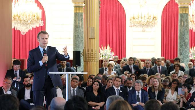 Macron à l'Élysée mardi pour un «événement de mobilisation en faveur des quartiers prioritaires de la politique de la ville».