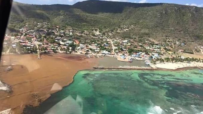 Vue aérienne de l'île de La Désirade, à l'est de la Guadeloupe.