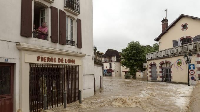 La route est devenue impraticable à Salies-de-Béarn.