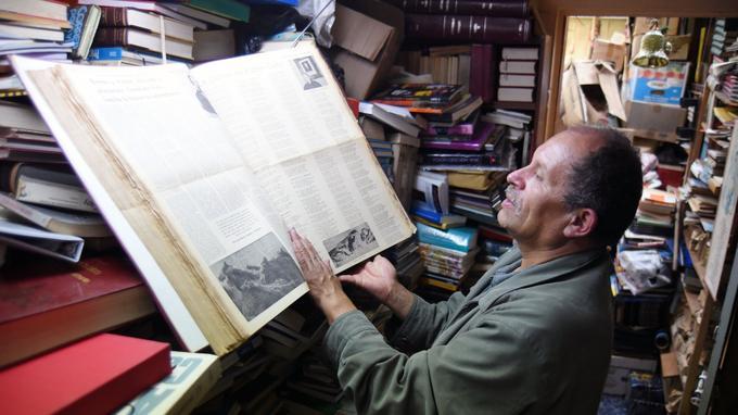José Alberto Gutierrez, surnommé le «seigneur des livres».