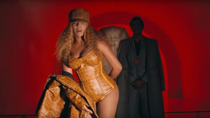Jay-Z et Beyoncé devant «Le grand sphinx de Tanis».