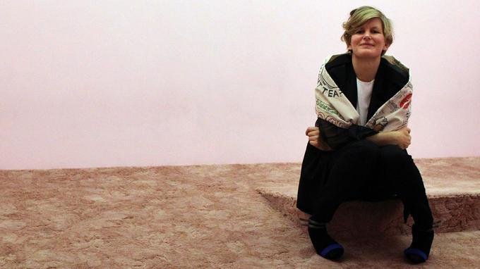 La qualité de son œuvre a valu à Laure Prouvost de remporter le Max Mara Art Prize for Women en 2011 et le Turner Prize en 2013 PETER MUHLY/AFP