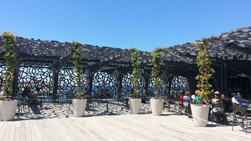 Marseille la destination branch e de 2016 - Apple store marseille terrasse du port ...