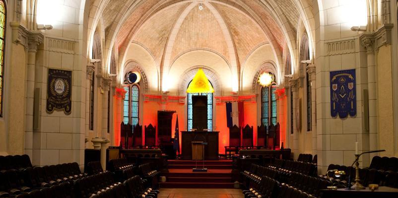Le temple Pierre-Brossolette, au siège de la GLDF à Paris. Un ancien couvent transformé pour les initiés.