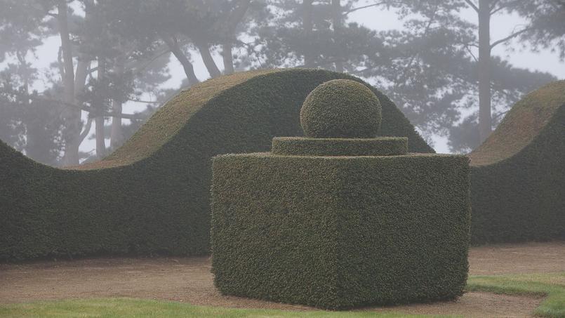 Les proportions parfaites des topiaires du jardin sont le fruit non seulement de leurs concepteurs mais aussi du travail passionné des maîtres des lieux et de leurs vaillants jardiniers.