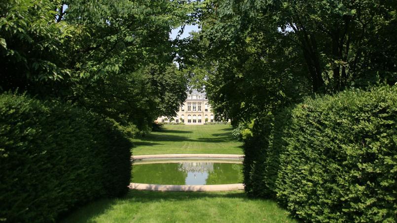 Les jardins de l 39 lys e en majest for Entretien jardin versailles