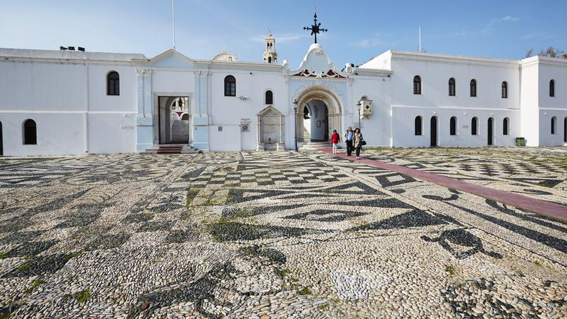 L'église de l'Annonciation «Panagia Evaggelistria» (Tinos) abrite une icône miraculeuse qui aurait des vertus de guérison.