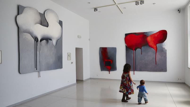 L'île de Tinos est pleine de surprises, dans le village de Kambos, le visiteur découvre le surprenant musée de l'artiste grec contemporain Costas Tsoklis.