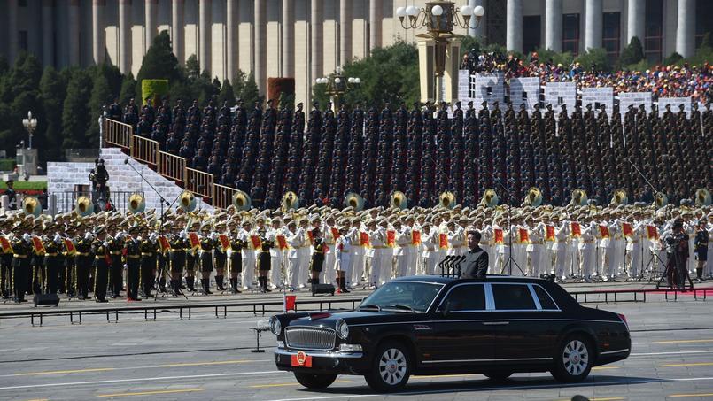 Le président chinois a ensuite annoncé que le pays va réduire ses effectifs militaires de 300.000 hommes.