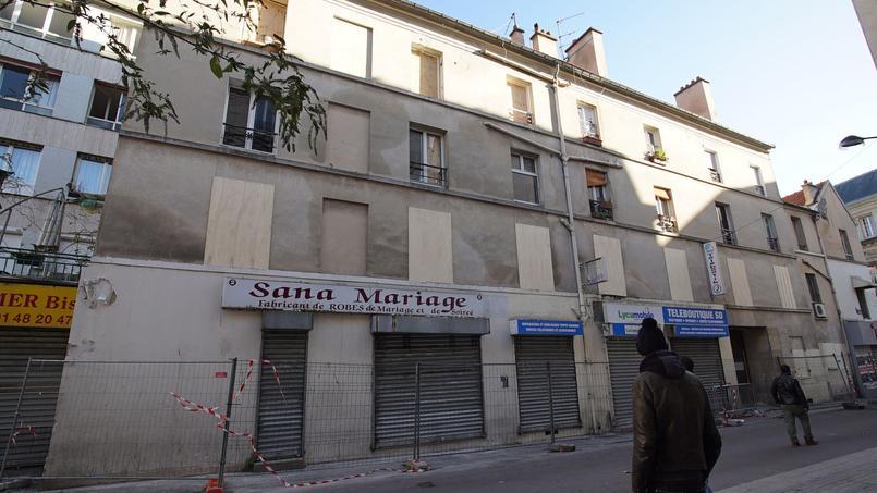 L'immeuble pris d'assaut le 18 novembre dernier par le Raid. En haut à gauche, l'appartement où les trois terroristes s'étaient retranchés. Crédit photo: Caroline Piquet