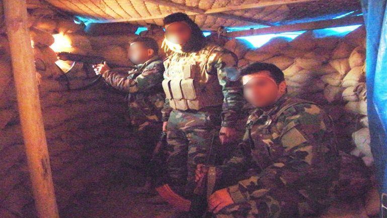 Dans un abri avec les Peshmergas.
