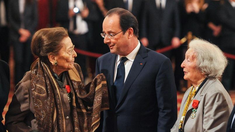 Edmonde Charles-Roux reçue à l'Élysée en février 2014.