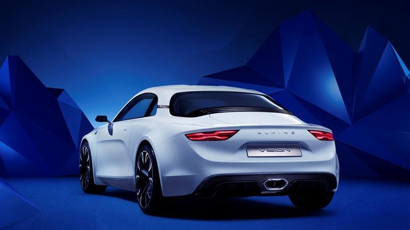 Le traitement de l'arrière évoque l'Alpine GT4.