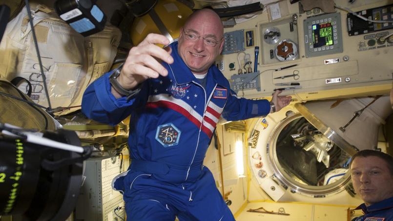L'astronaute Scott Kelly, ici le 29 février, soit deux jours avant son retour sur Terre, assure que le secret pour tenir un an dans l'espace est de ne pas cocher un calendrier.
