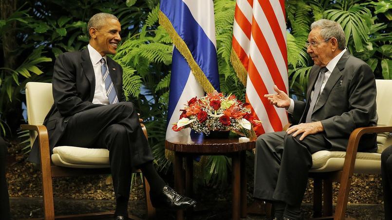 Tout sourire, les deux hommes ont échangé quelques mots devant les journalistes.