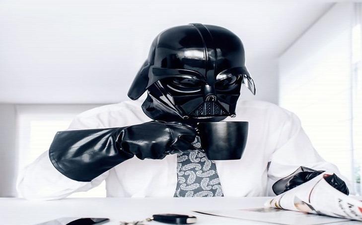 star wars day dark vador un homme normal. Black Bedroom Furniture Sets. Home Design Ideas