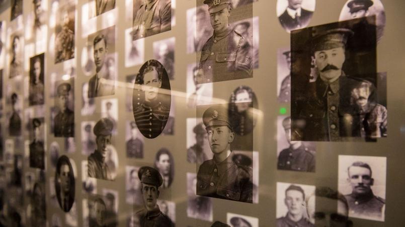 Les pertes totales de la bataille sont estimées à 1.200.000 hommes, dont 420.000 dans le camp britannique et plus de 200.000 Français. Côté Allemands, 450.000 soldats ont été mis hors de combat.