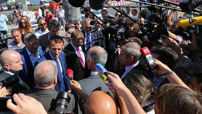 Emmanuel  Macron yesterday & # xE0; Ch & # xE2;  lons-en-Champagne