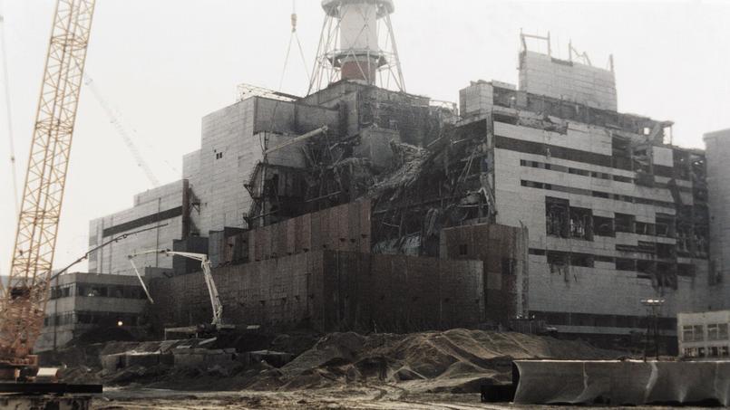 La centrale de Tchernobyl trois mois après l'explosion de 1986.