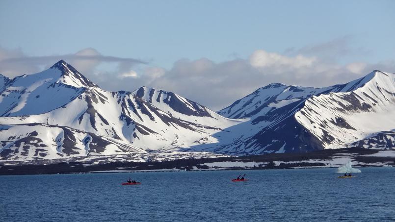 En canoë, en Antarctique. © Fotolia.