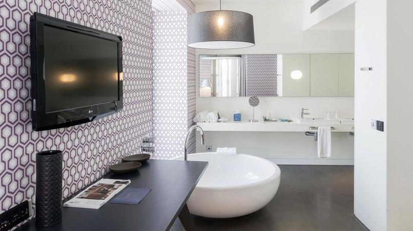 Salle de bains de la suite Fogo. © Inspira Santa Marta.