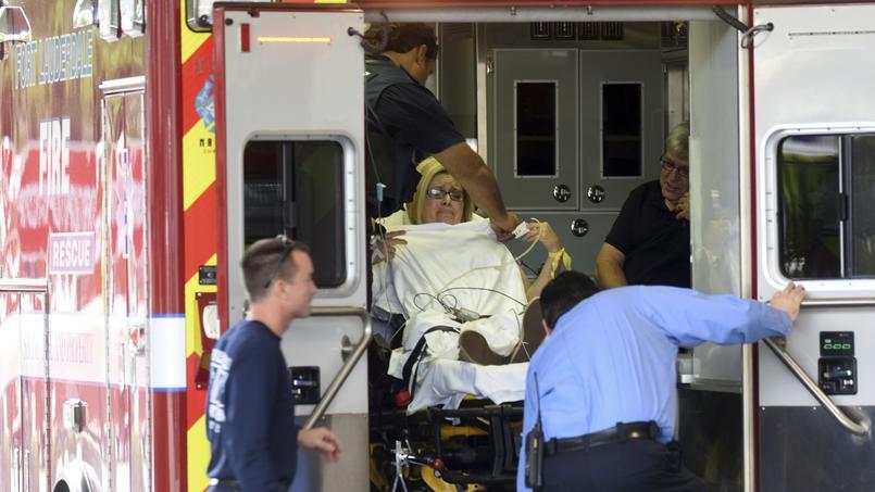 Huit personnes ont été blessées et transportées à l'hôpital.