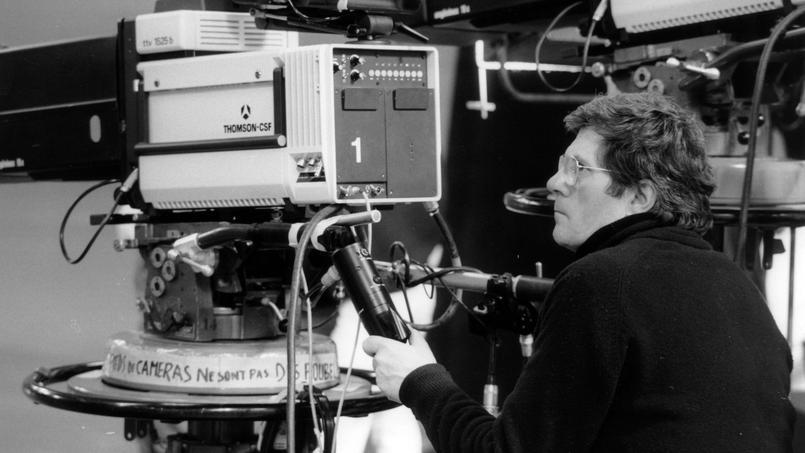 Le réalisateur Jean-Christophe Averty sur le tournage de l'émission télévisée «Une Dalida idéale» au Studio des Buttes Chaumont le 15 mars 1984.