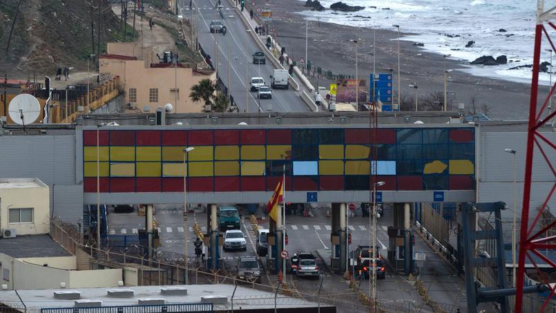 300 migrants ont forcé la frontière à Ceuta — Maroc / Espagne