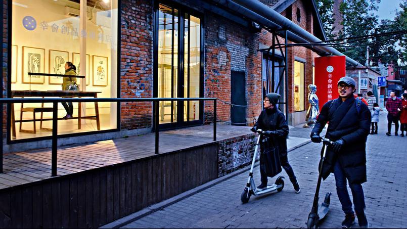 Le quartier des artistes, 798, abrite des centaines de galeries d'art où les Pékinois viennent flâner le week-end.
