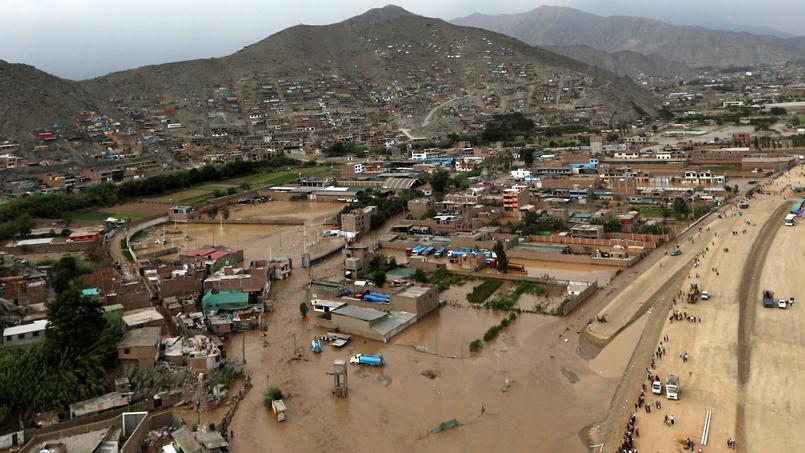 Vue aérienne du quartier de Huachipa (Lima), le 17 mars.