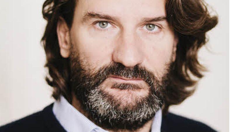 David beckham jean dujardin ces adeptes de la barbe for Dujardin qui fait le chameau