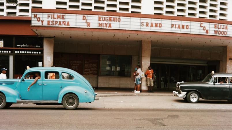 De vieilles voitures américaines dans les rues de la Havane. © Olivier Romano.