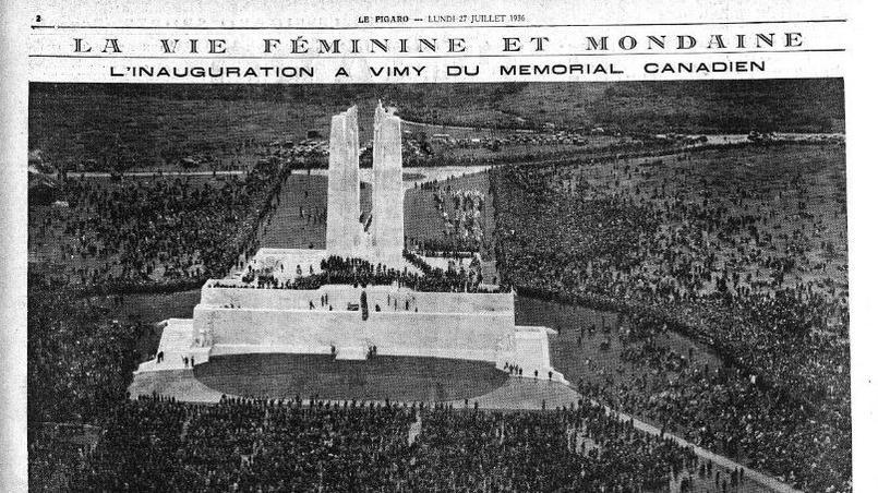 La foule massée sur la crête de Vimy, autour du glorieux monument. Photo publiée dans «Le Figaro» du 27 juillet 1936.
