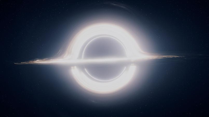 Le trou noir Gargantua et son disque d'accrétion dans le film Interstellar. (Crédits: Double Negative artists/DNGR/TM&© Warner Bros. Entertainment Inc./Creative Commons (CC BY-NC-ND 3.0) license)
