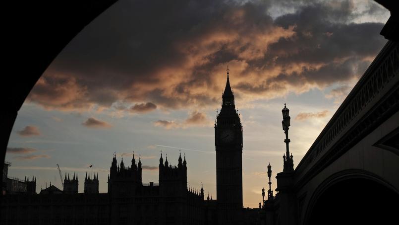 Le parlement britannique se prononce aujourd'hui sur des législatives anticipées.